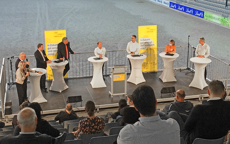 [Foto: Podiumsdiskussion]